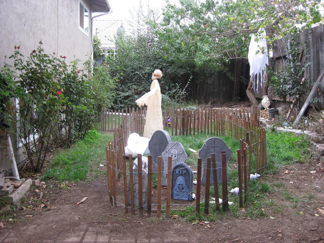halloween 2010 haunted graveyard u2013 eric melski u0027s blog melski net